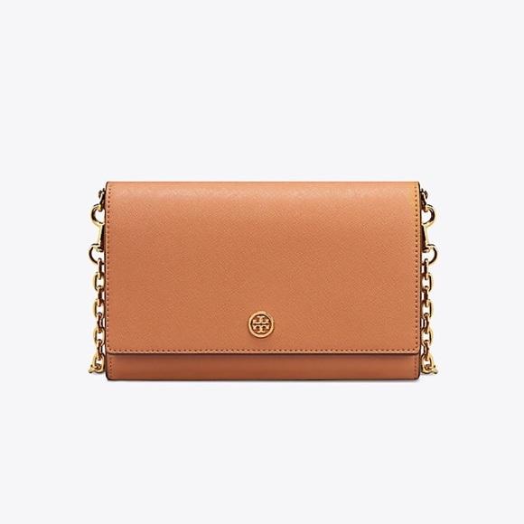 183f91f32dc5 NWT Tory Burch Robinson chain wallet